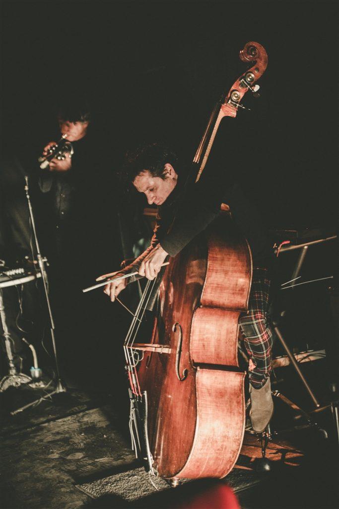 webSYNradio rituel-deleuze-bastien-seguron_concert_carreterie_v2-039-683x1024 Quelques images du Rituel de P.Deleuze, G.Séguron, P.Bastien News Projet