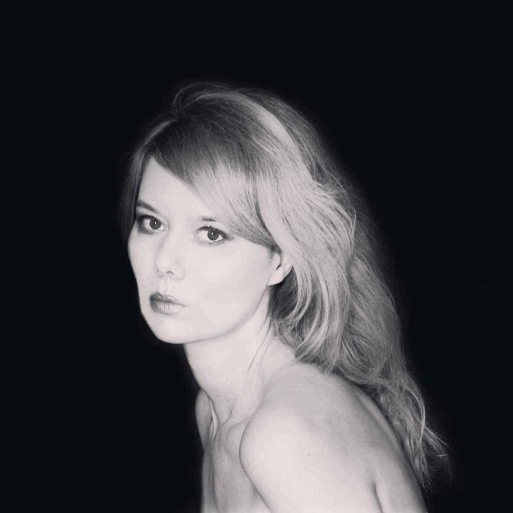jelena glazova portrait websynradio